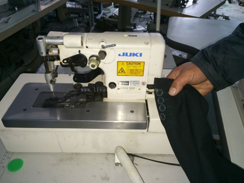 buttonholing JUKI MBH-180 2