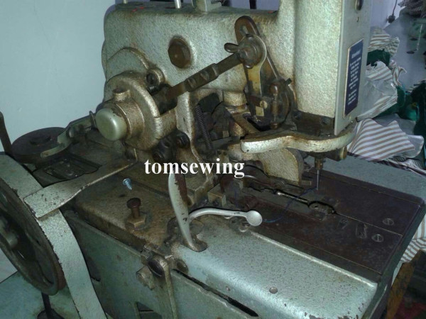durkopp 557 button hole used sewing machine (1)